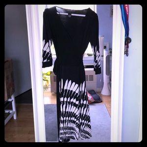 Donna Morgan beautiful wrap dress, mint condition